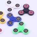 2017 vente chaude coloré 608 portant Fidget-Spinner