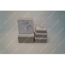 Bow knot white wrinkle paper gift box