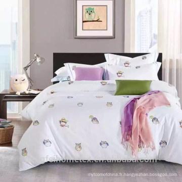 Tissu à microfibres brossé polyester polyester pigmenté bon marché pour textile domestique de bonne qualité