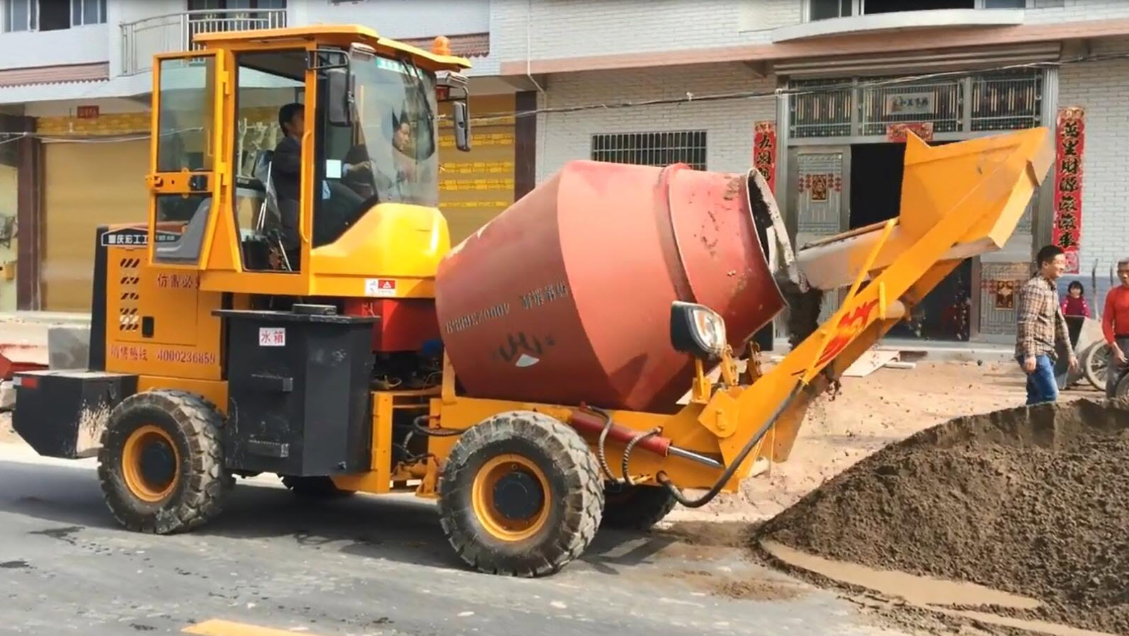 Self-Loading Concrete Mixer