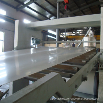 Professionelle PVC-Schaumstoff- / WPC-Plattenmaschine