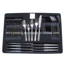 Vaisselle noire d'emballage d'animal familier
