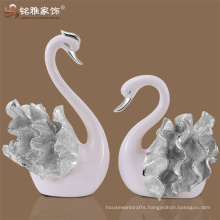 New arrival christmas interior decoration polyresin couple swan sculpture