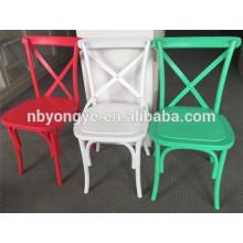 Chaise de restaurant en plastique X retour