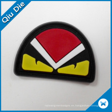 Popular Diseño enojado pájaro rojo de goma etiqueta de cuero