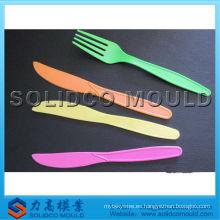 molde de la cuchara del corredor de la choza