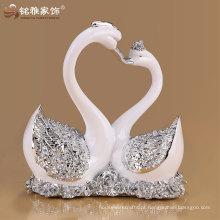 Fábrica por atacado animal polyresin cisne estátua para casamento presente de lembrança