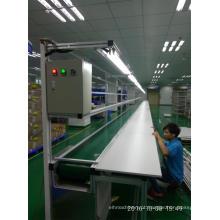 Linha de transporte de correia de PVC com bancada de montagem