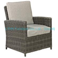 Балкон Ротанговое кресло с садовой мебелью