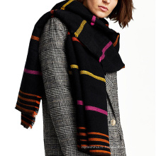 La couleur de contraste épaississent longtemps écharpe d'hiver en tricot tricoté acrylique femmes