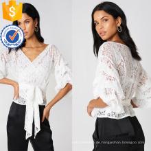 Weiße Spitze gekräuselte drei Viertel Länge Ärmel V-Ausschnitt Wrap Bluse Herstellung Großhandel Mode Frauen Bekleidung (TA0052B)