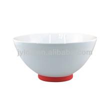 Sopera de sopa de porcelana blanca