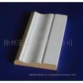 Moldura de madera lacada o impregnada
