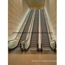 Эскалатор повышенной нагрузки в общественном месте