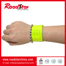 Sample free high brightness reflective wristbands
