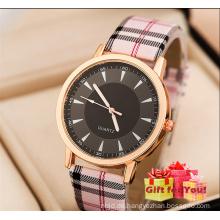 Einfache Mode Frauen Herren Leder Uhren Check Design Student Quarzuhren für Damen Cestbella Sonderangebote Uhr