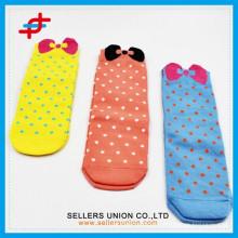 Hot-sale chaussettes / chaussettes à tube de dessin animé pour enfants chaussettes à pied design chaussettes à nez bowknot
