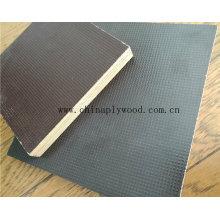 Poplar / Hardwood Core Anti Slip Film face au contreplaqué