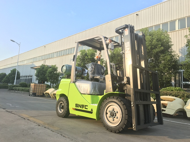 4pcs 3t gas forklift to MEXICO from sheri (2)