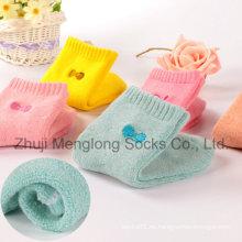 Calcetines de algodón de invierno de los niños con amortiguador de Terry dentro del pie