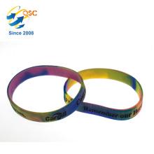 Pulseira de silicone promocional de arco-íris quente com logotipo gravado
