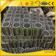 L'usine en aluminium produisant le dissipateur de chaleur de radiateur profile le radiateur en aluminium