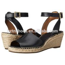 Дамы моды PU кожа пряжки ремень клин обувь