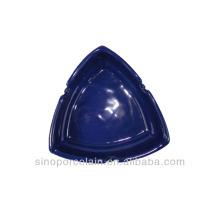 Cenicero de cerámica triangular para BS140122C
