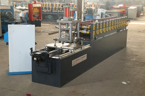 keel molding machine