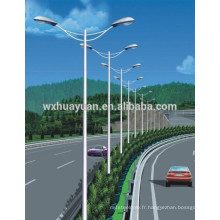 Poste léger en acier disponible pour autoroute