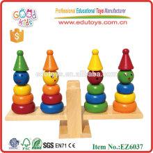 Balance de juguetes de madera