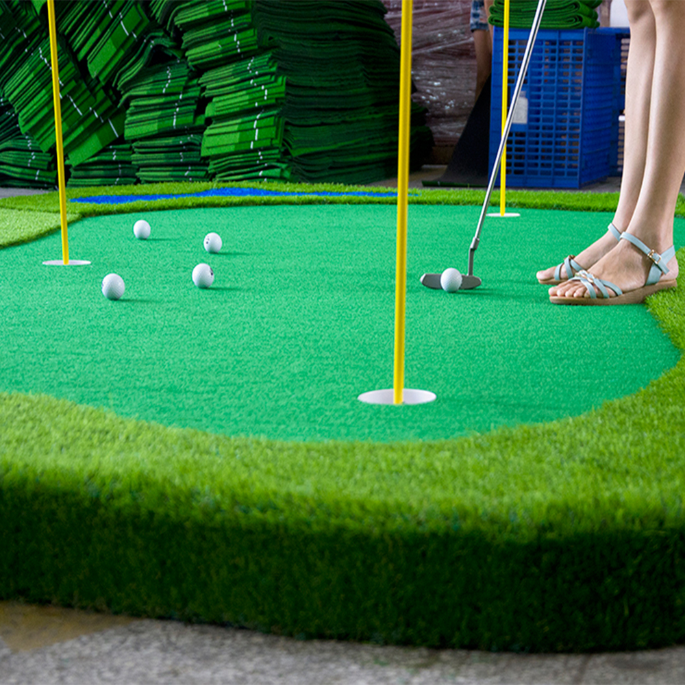 golf mini course putting green