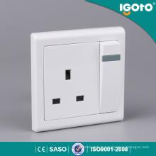 E9013 UK Interrupteurs muraux et prises 13A haute qualité standard