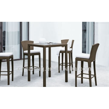 Tables hautes en polyéthylène polyvalentes de luxe