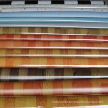 Piso de PVC com boa resistência ao rasgamento para uso interno