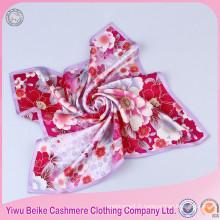 Bonne qualité carrée forme numérique imprimé foulard de soie de mode de mode