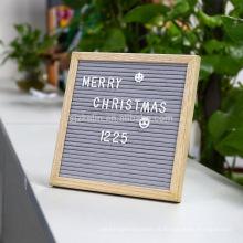 placa de feltro cinza letra 10x10 com moldura de madeira