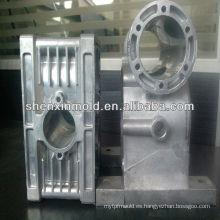 Los fabricantes del molde de China suministran el molde plástico de la pieza del coche de la inyección del molde