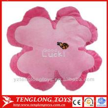 Usine d'exportation standard coussin de trèfle coussin de fleurs en peluche