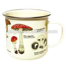 Tasse d'émail de champignon Tasse d'émail de champignon