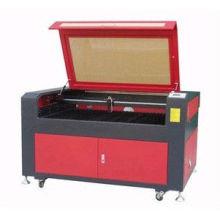Máquina del laser del cnc para el grabado de acrílico plástico