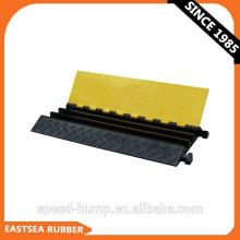 Großhandel aus Taizhou China Factory Black & Yellow 3-Kanal-flexibler PU-Kunststoff-Kabelbehälter