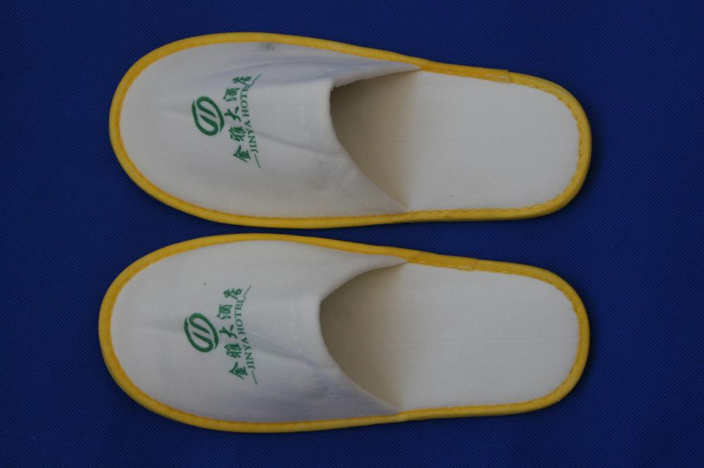 3 Star White Hotel Embroidery Logo Close Toe Slipper