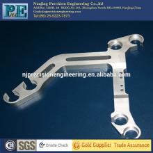 Cadre en aluminium à découpe laser personnalisé