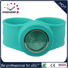 2015 Vogue Green New Style Promotion Silicone reloj de pulsera (DC-937)