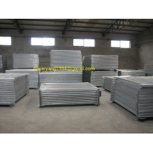 2.1x2.4m 32x2mm heavy duty round tube temporary construction fence on Australian or NZ market with fence staying and block