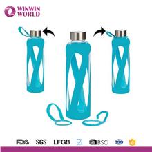 Wiederverwendbare reine Borosilikat-Pyrexglas-Wasser-Flasche mit rutschfestem stilvollem Silikon-Ärmel durch Consol