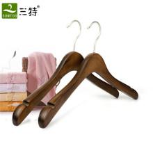 Использование одежды и деревянный материал роскошная старинная вешалка