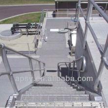 marche d'escalier en acier inoxydable
