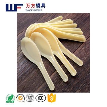 Le moule fait sur commande de cuillère de yaourt d'OEM / a récemment conçu le plastique jetable d'injection en plastique de moule de cuillère de pli de yaourt